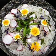 Somen czyli makaron nazimno zkwiatami