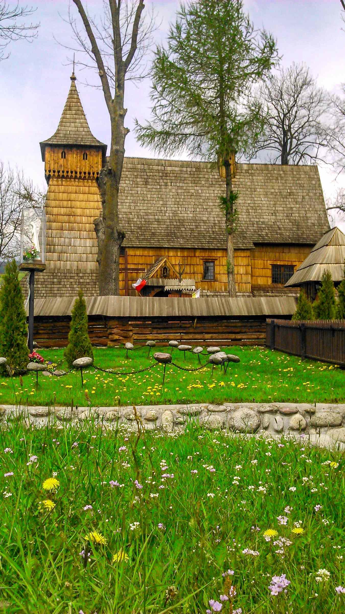 Drewniany kościółek w Dębnie wpisany na listę zabytków UNESCO